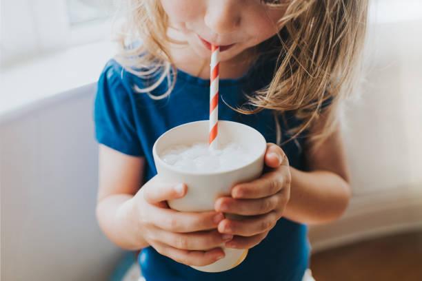 Prise de position de la NASPGHAN: non aux «laits végétaux» chez le jeune enfant